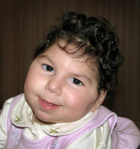 脳が収縮する奇病の赤ちゃん、新薬で奇跡的な回復 オーストラリア