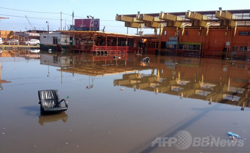 チリ沖地震の死者6人に、日本でも小規模な津波を観測