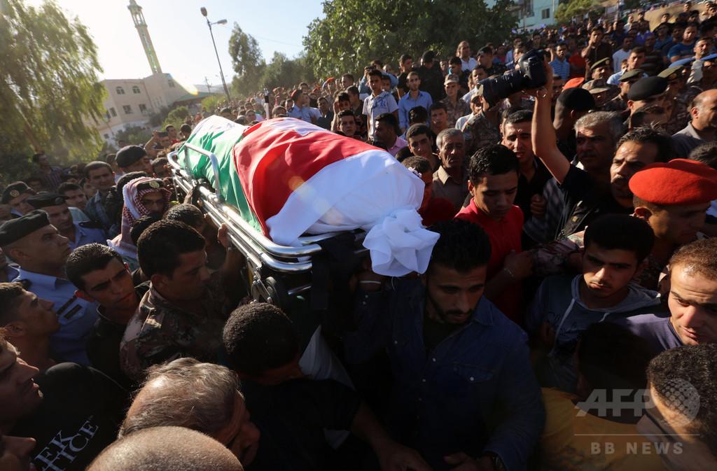 シリア国境の難民キャンプで爆弾攻撃、11人死亡 ヨルダン
