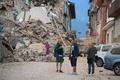 イタリア中部地震、死者159人に 懸命の救出活動続く
