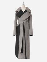 「ビューティフルピープル」和服の造形に着想を得た、畳めるリバーコート