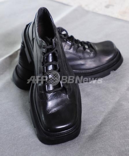 ブッシュ大統領への靴投げでメーカーに注文殺到、100人増員