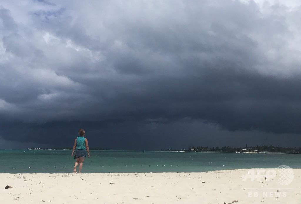 ハリケーン被災のバハマに熱帯暴風雨、救助活動の遅れ懸念