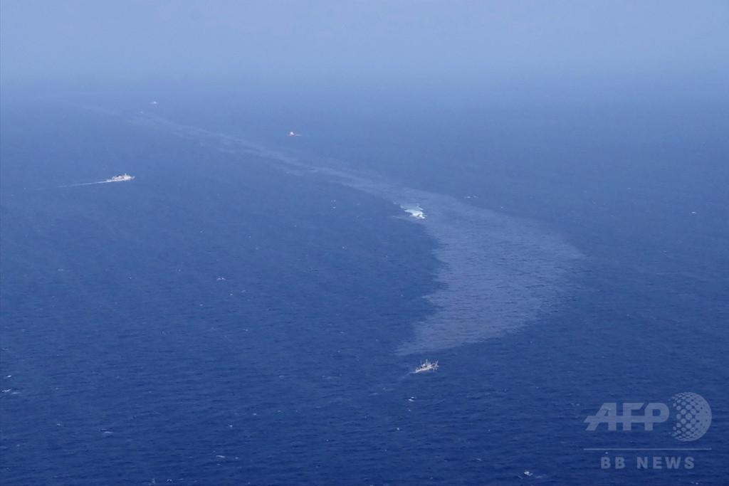 沖永良部島と与論島の漂着油は沈没タンカーの燃料、海上保安庁