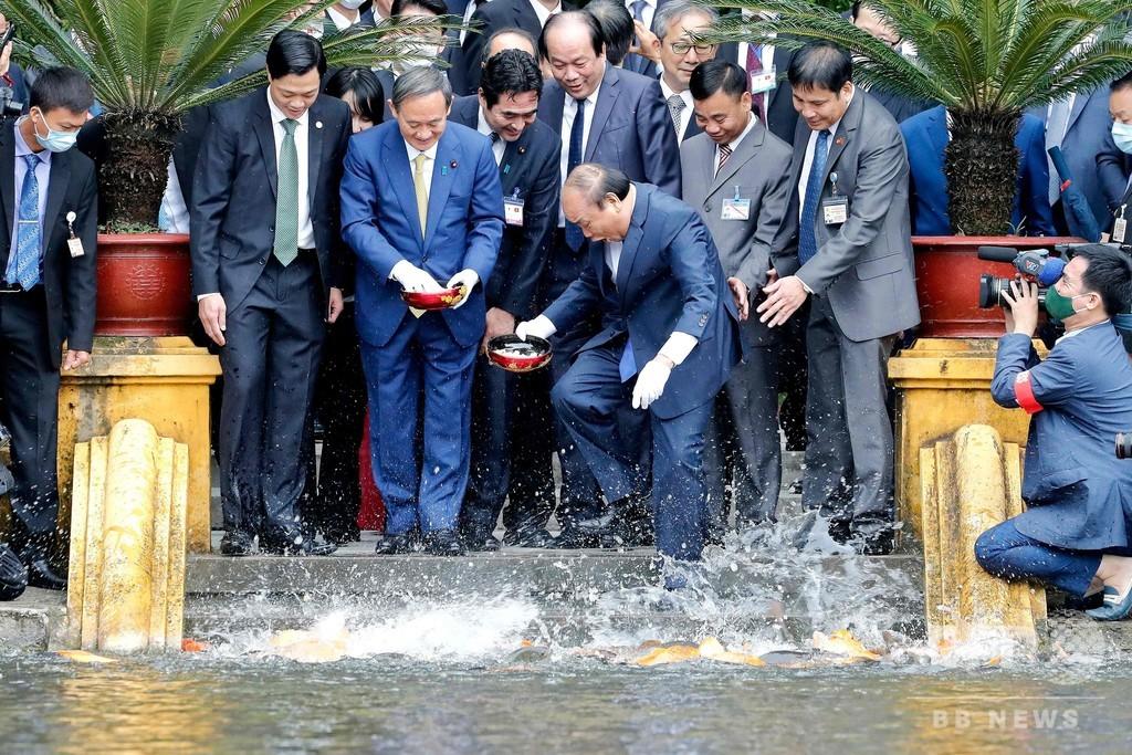 菅首相、初外遊でベトナム訪問 防衛連携強化で一致