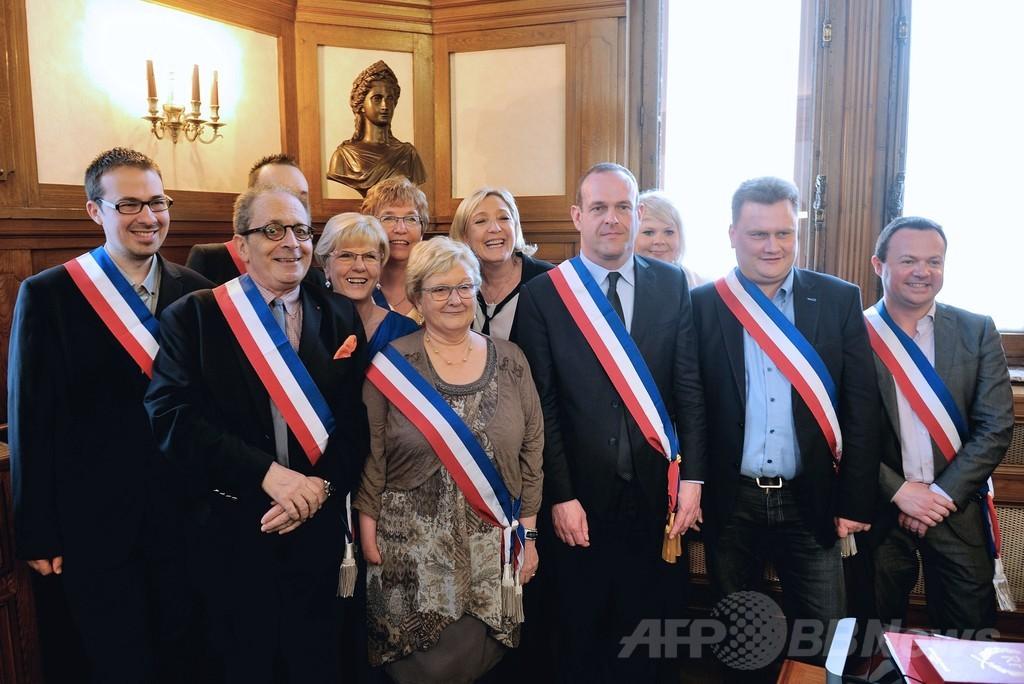 極右政党をやむなく受け入れるフランス