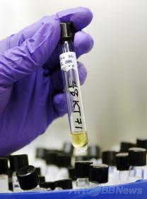 米保健当局、致死率高いH5N1鳥インフルでも取り扱いミス