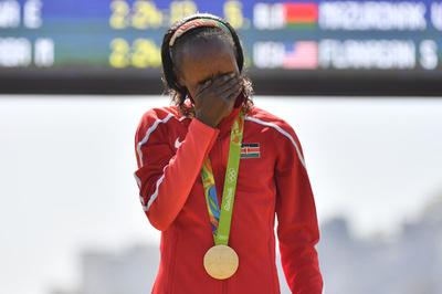 リオ五輪のマラソン女王、資格停止期間が倍に ドーピングで「偽書類」