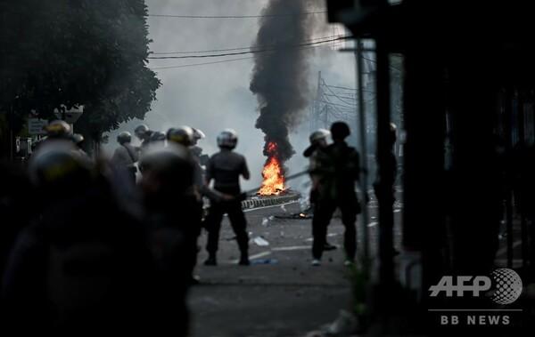 大統領再選への抗議デモで6人死亡 インドネシア首都