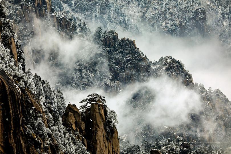 静寂の世界 雪化粧した世界遺産・黄山