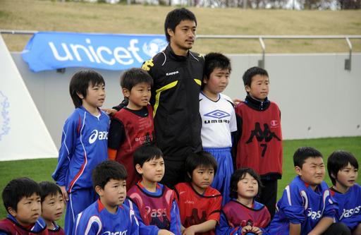 被災児童招きサッカー大会、J1鹿島・小笠原もエール