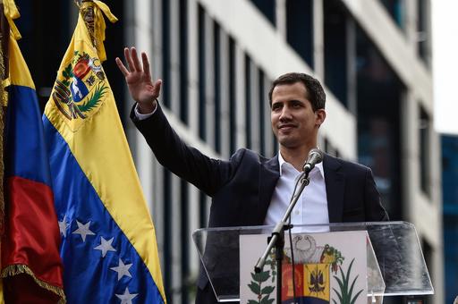 ベネズエラの「生き残り」 暫定大統領宣言のグアイド氏とは?
