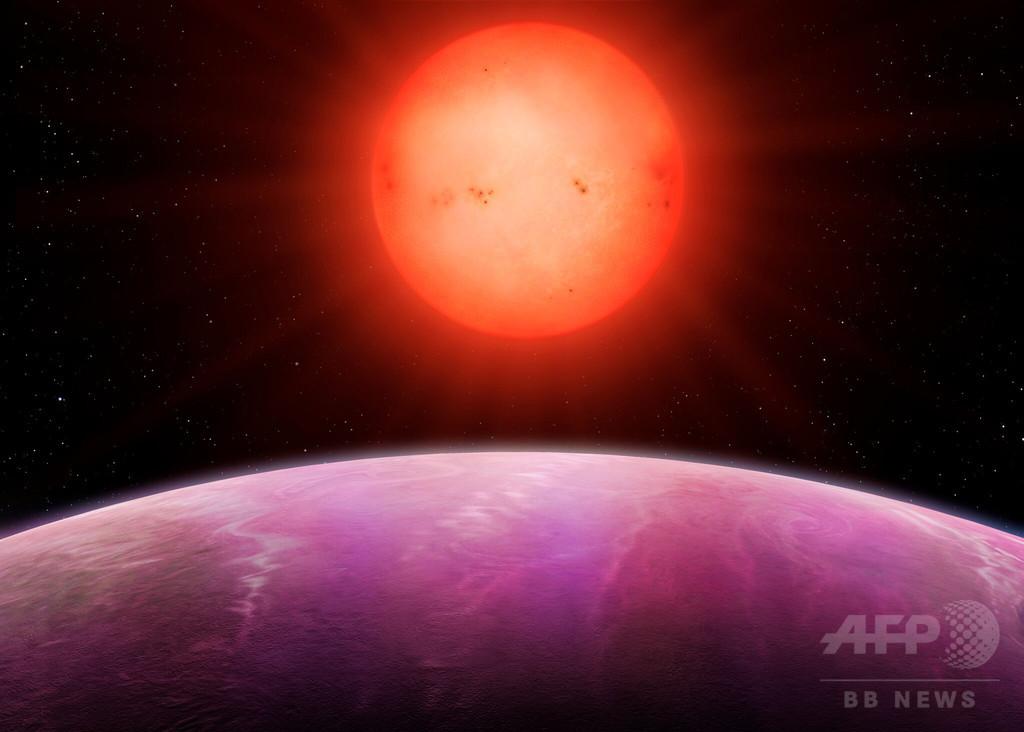 小型の星に「怪物級」巨大惑星、600光年先に発見 研究