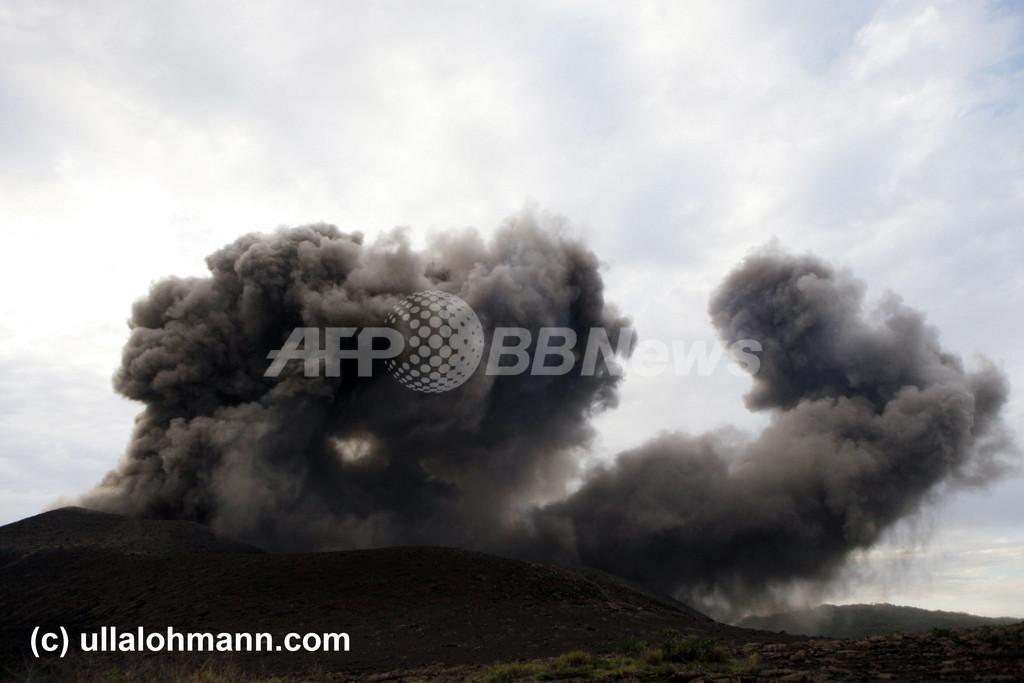 南太平洋バヌアツのヤスール山が噴火、空の便に影響