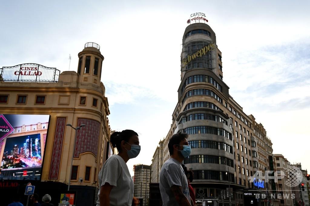 スペインのコロナ新規感染者、7割超が医療従事者