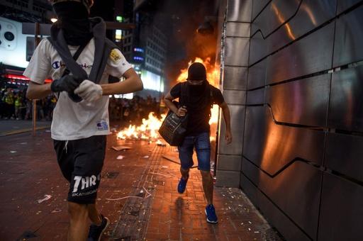 香港デモ体験できるゲームアプリ、グーグルが配信取り下げ