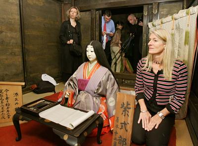 『源氏物語』出版のフランス人編集者、物語ゆかりの石山寺を訪問