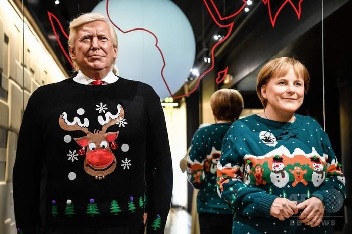 仏のろう人形館、各国首脳や俳優がクリスマス柄のセーター着て登場