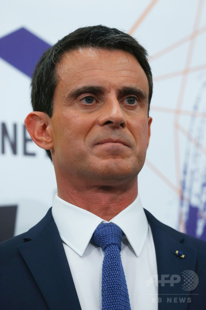 不明エジプト航空機「いかなる可能性も排除できず」 仏首相