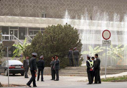 受刑者14人が中毒死、刑事事件として捜査開始 タジキスタン