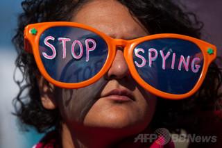 NSA、顔面認識用の写真を大量傍受 米紙報道