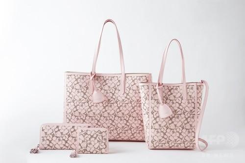 淡いピンクのフラワーパターン、「ラルフ ローレン」⽇本限定アイテム発売へ