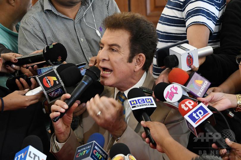 混乱招いたホンジュラス大統領選、野党候補が敗北宣言
