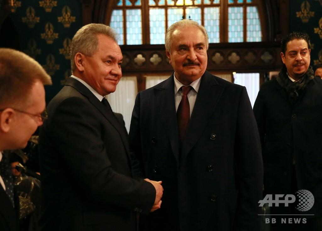 リビア民兵組織指導者のハフタル氏、ロシアで和平協議も調印せず出国