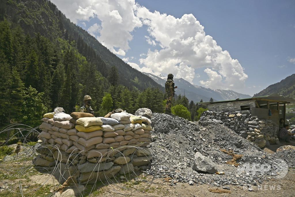 拳・石・こん棒、ヒマラヤ高地のローテクな戦い 中印衝突