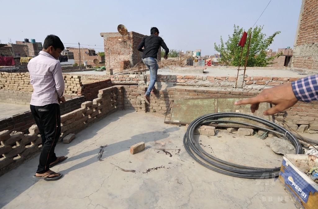レイプされ火を付けられた16歳少女が死亡 インド