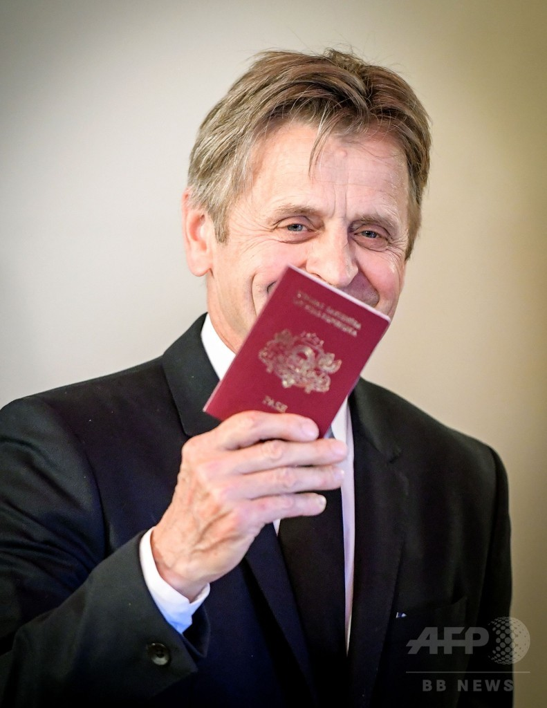 M・バリシニコフさん、出身国ラトビア名誉市民に 旧ソ連時代に亡命