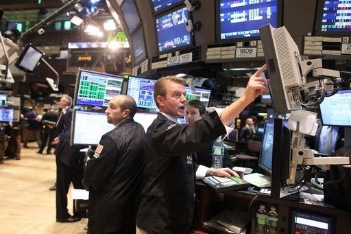 米連邦準備制度理事会、ゼロ金利を維持