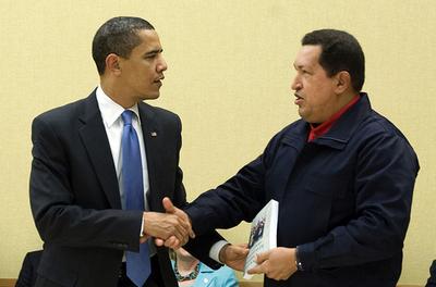 チャベス大統領がオバマ大統領に贈った本の売上が急増、中南米苦難の歴史を描く
