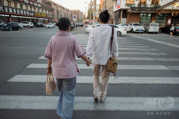 偽装結婚に隠れる中国の同性カップル