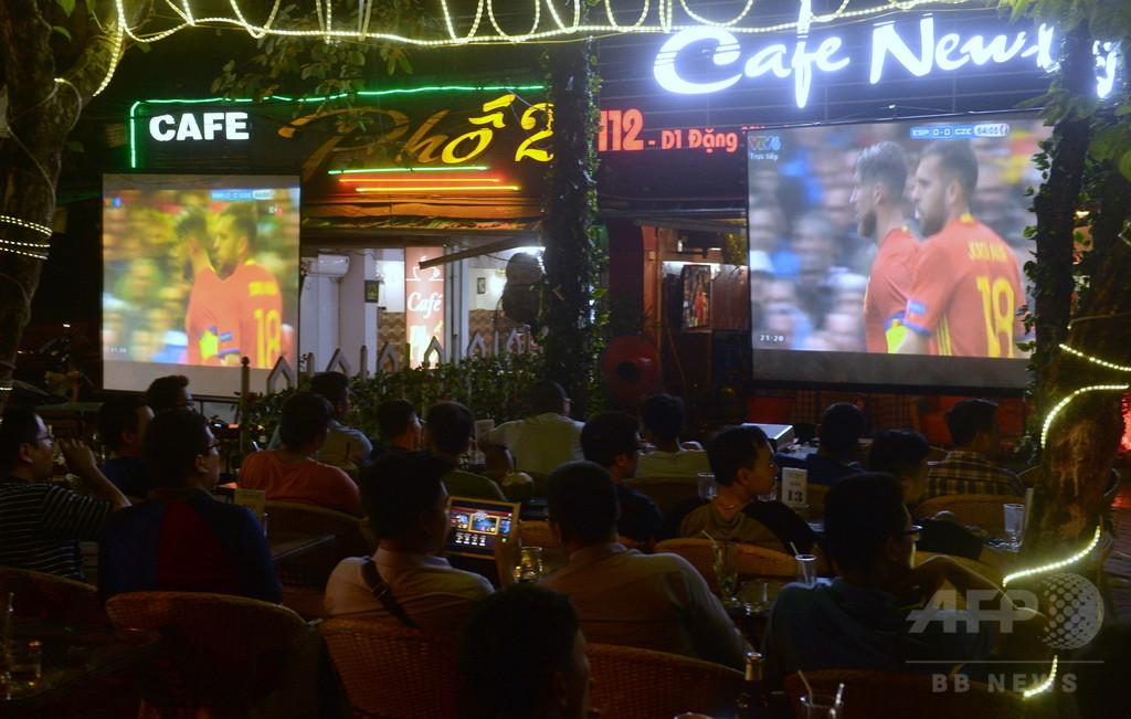 ベトナム、自国民のスポーツ賭博を合法化 サッカーや競馬など
