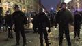 動画:仏で燃料価格上昇への抗議デモ、事故で参加者1人死亡