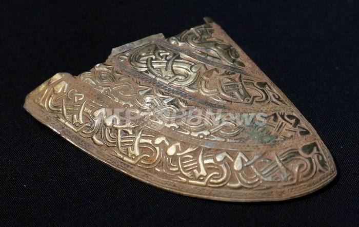 英無職男性が金属探知機で見つけた金銀の財宝、4億7000万円相当に
