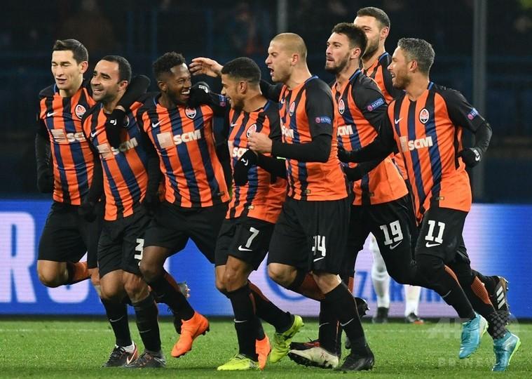 ローマが敵地の第1戦落とす、シャフタールはフレッジが決勝FK