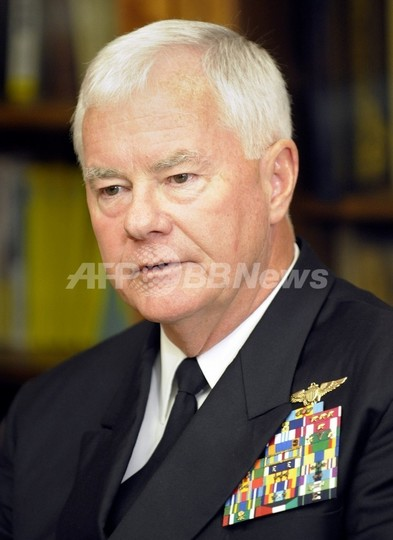 オバマ米大統領の「お辞儀」問題、前米軍司令官が擁護