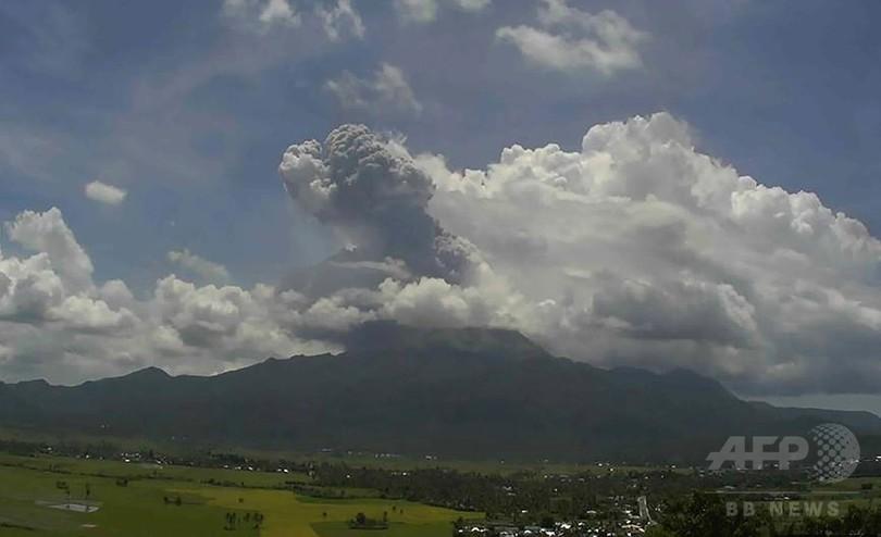 フィリピンのブルサン山が噴火、噴煙2000メートル