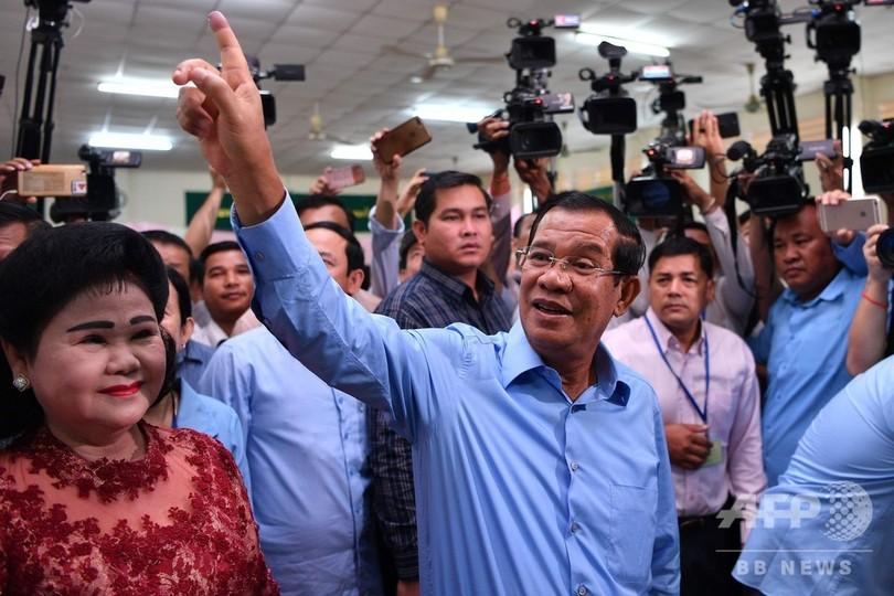 カンボジア総選挙の投票始まる、...