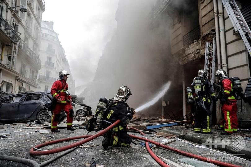 仏パリのパン店で爆発、消防士含む3人が死亡 ガス漏れが原因