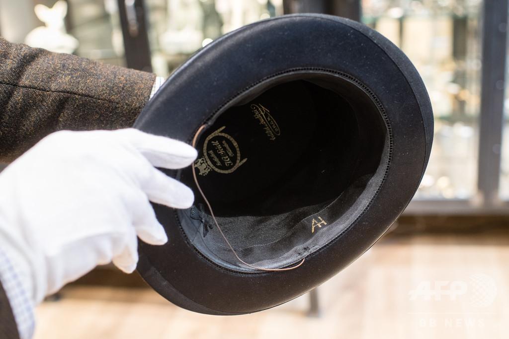 ヒトラーの帽子に600万円、独ナチス競売で高額落札続出 国内外から非難
