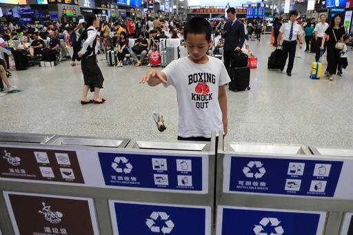 上海で最強の「ごみ分別条例」施行 中国でリサイクル時代の幕開け