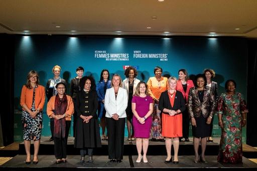 カナダで女性外相会合、「新たな伝統の始まりに」