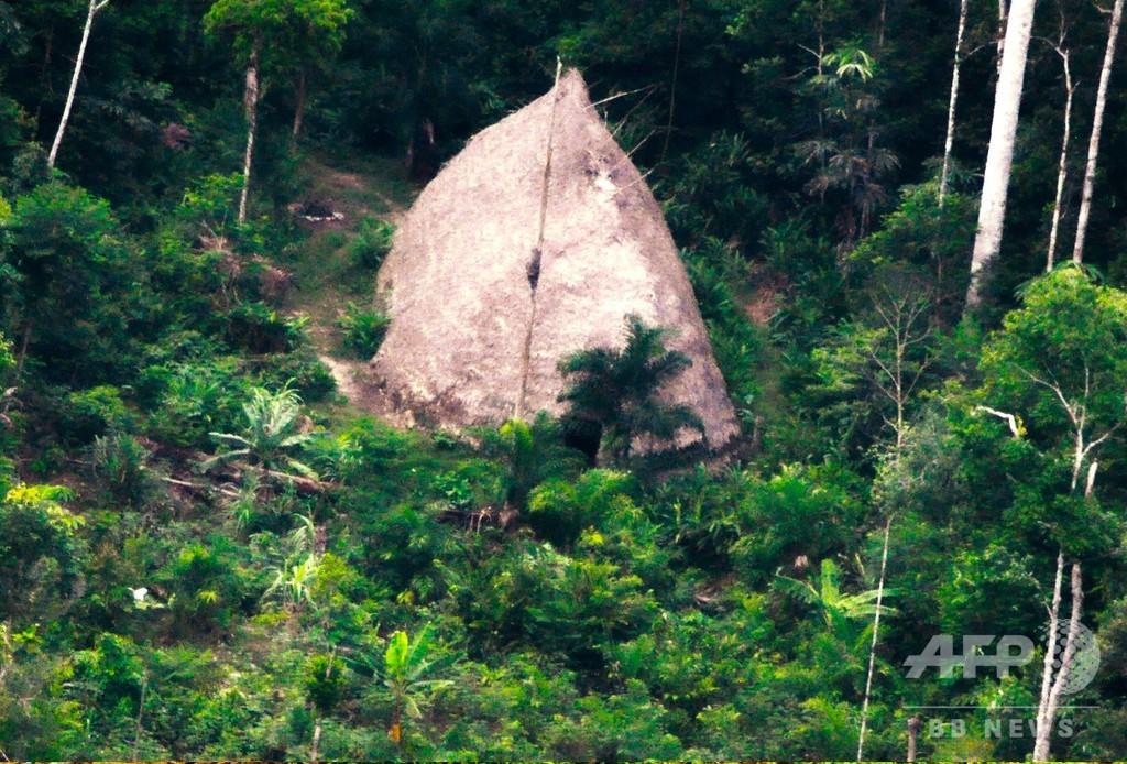 アマゾン奥地の未接触先住民、新たなドローン映像公開
