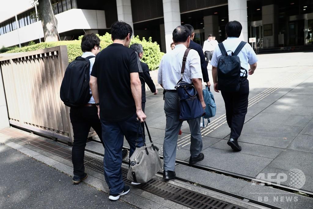 アシックス「パタハラ」裁判、男性の育児休業めぐり社員が訴え