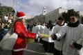 キリスト生誕の地ベツレヘムに巡礼続々、ミレニアム以来の人出