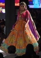 <ファッション・パキスタン・ウィーク>「Wardha Saleem」