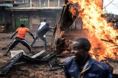 ケニア選挙で衝突続く 死者8人、西部で投票再延期